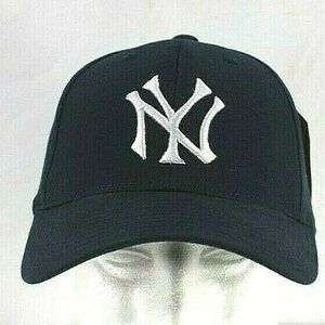 New York Yankees Blue Baseball Cap Snapback